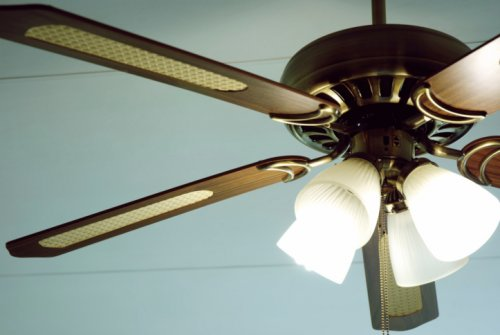 Use A Ceiling Fan To Reduce Heating and Cooling Costs